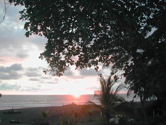 Costanera Bed and Breakfast: El atardecer desde el BandB