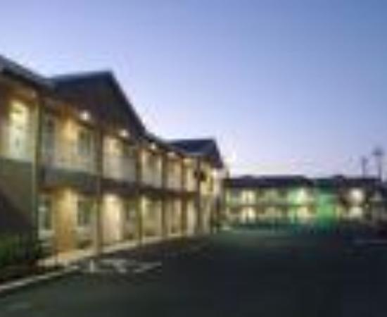 أميركاس بست فاليو إن آند سويتس - هيلدزبيرج: America's Best Value Inn & Suites Thumbnail
