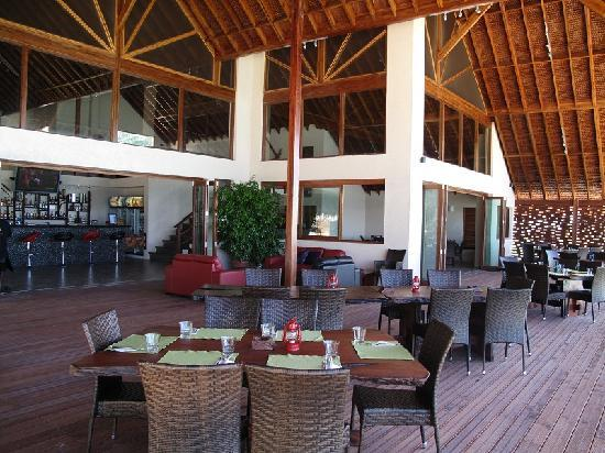 Lope Lope Lodge : The Slipway Bar & Grill