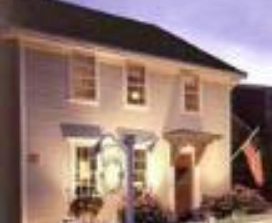 Revere Guest House Thumbnail
