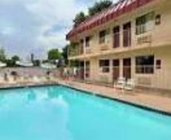 Red Roof Inn San Antonio - Lackland: Red Roof Inn Lackland Thumbnail