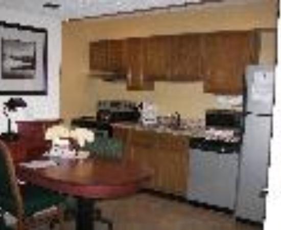 Sonesta ES Suites Tucson: Residence Inn Tucson Speedway Thumbnail