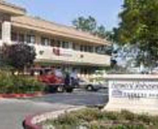 Hotel Elan: Howard Johnson Express - San Jose Thumbnail