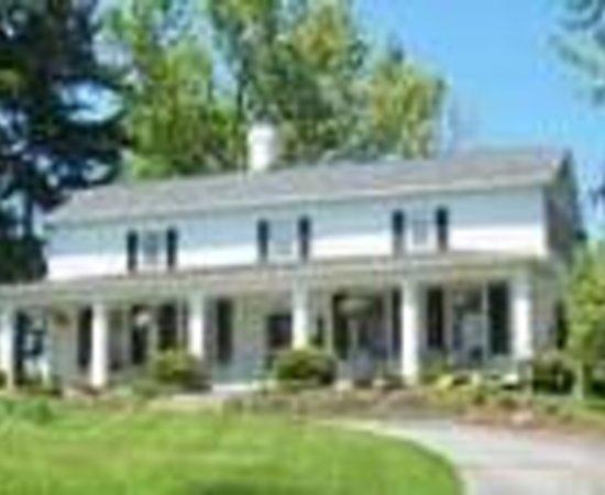 Wagener Estate Finger Lakes Bed & Breakfast Thumbnail