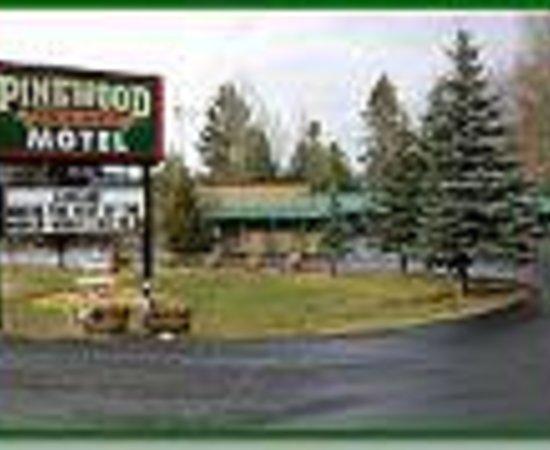 Alpine Lodge and Motel: The Pinewood Lodge Motel Thumbnail