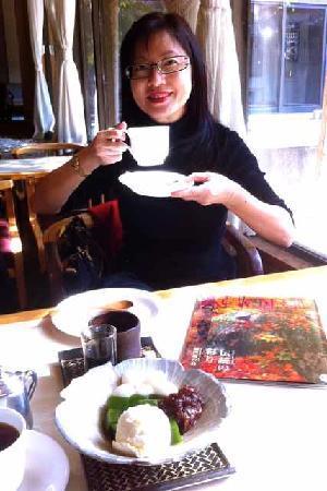 Yanagawa Ohana: Ohana-enjoying dessert