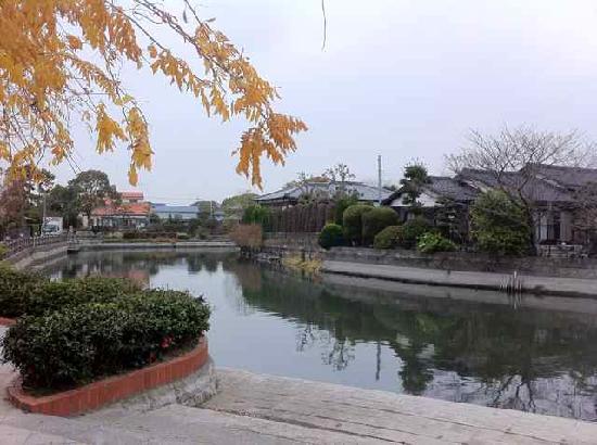 Yanagawa Ohana : Strolling along canal Yanagawa