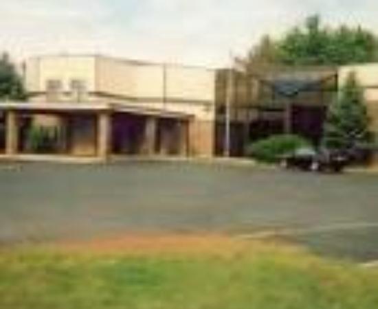 Village Inn Motel Thumbnail