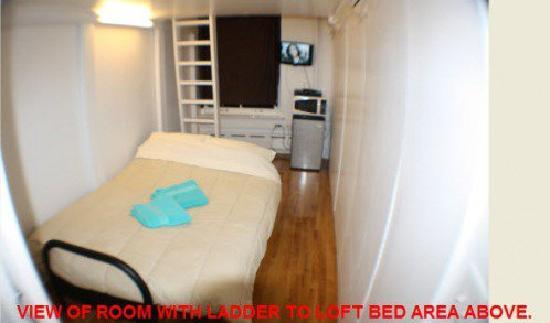 Financial District Hostel: furnished private room
