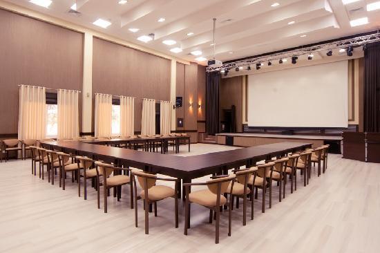 Grand Marine: Conference hall