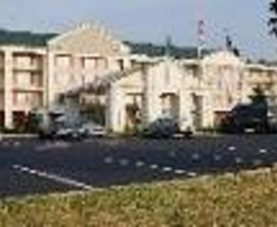 Country Inn & Suites By Carlson, Fredericksburg South (I-95): Country Inns & Suites Fredericksburg South Thumbnail