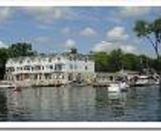 Hotels Near Green Lake Wi