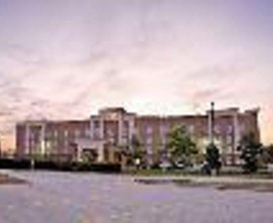 Hampton Inn & Suites Cedar Rapids - North Thumbnail