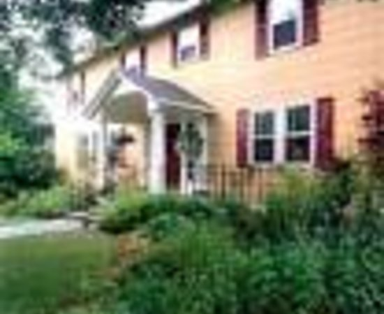 Blowing Rock Ale House and Inn: Maple Lodge Bed and Breakfast Thumbnail
