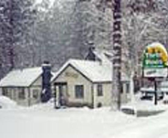 Three Pines Lodge Thumbnail