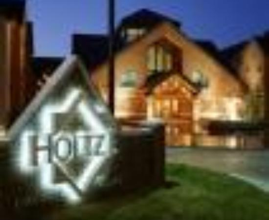 Hawthorn Suites by Wyndham Overland Park: Holtze Executive Village Overland Park Thumbnail