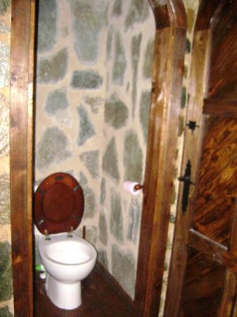 La Toison d'Or : Hotel Aubergue Toison D'Or - bathroom