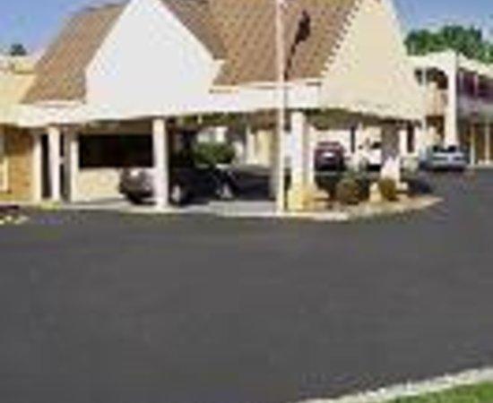 EconoLodge - Cleveland : M-Star Hotel Cleveland Thumbnail
