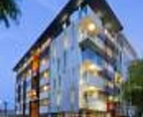 โรงแรมคลาเรี่ยนโซโห: Clarion Hotel Soho Thumbnail