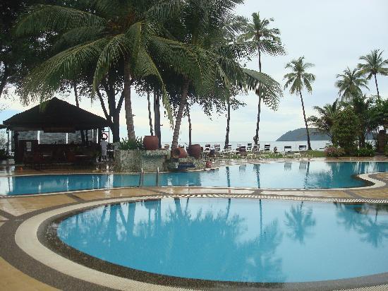 The Frangipani Langkawi Resort & Spa : Bar and freshwater pool area