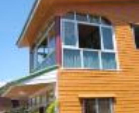 Laanta House: Orange House Thumbnail