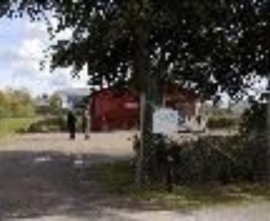 Eslovs Vandrarhem (hostel), Stugor (cabins) and Camping Thumbnail