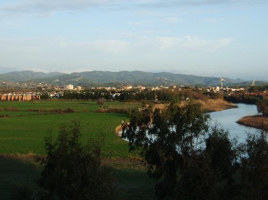Washington Resort Hotel & Spa: Blick vom Hotelzimmer aus auf den Fluß und die Berge
