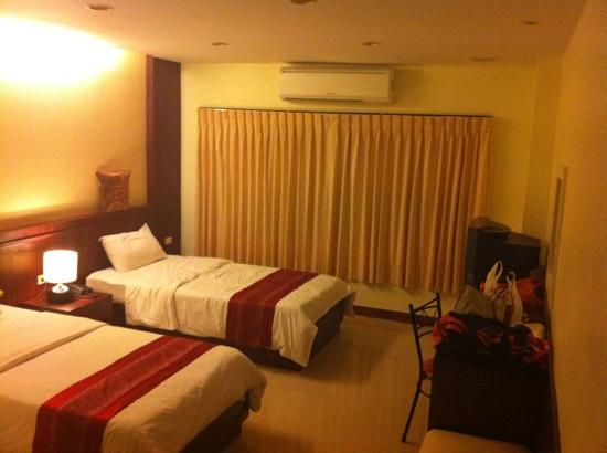King Hotel: The cheapest room, at 500 baht, is clean, freshly painted, and has wicked cold air conditioners.