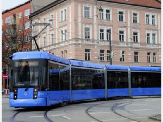 Munich Tram #2040 on route 19