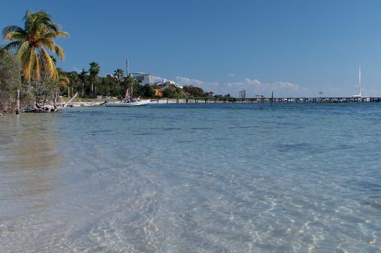 Playa Gaviota: The view looking to Playa Garafon