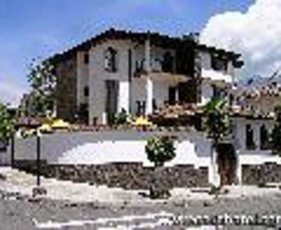 Beautiful hotel great location quiet safe review - Fuentes de piedra ...