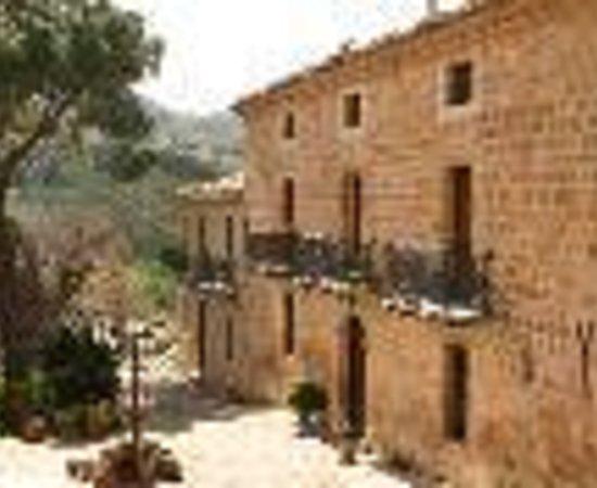 Casale Villa Raino : Villa Raino Thumbnail