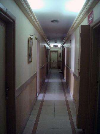 Union Hotel: Hallway, my room is straight ahead, all the way at the end.