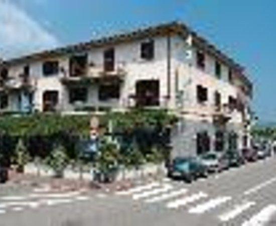 Hotel Giardino: Albergo Giardino Thumbnail