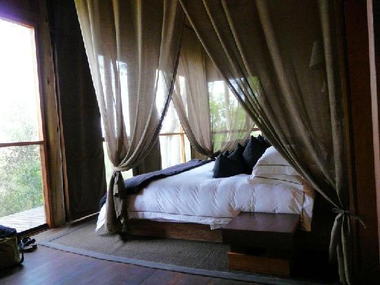 andBeyond Xudum Okavango Delta Lodge: Schlafzimmer