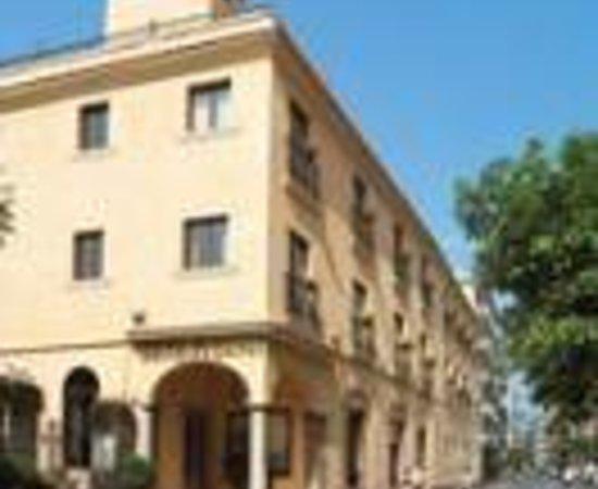 Hotel Capri Thumbnail