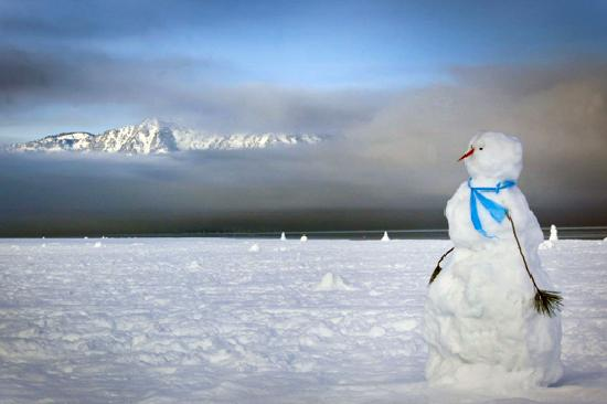 Саут-Лейк-Тахо, Калифорния: Snowman at Lake Tahoe South Shore