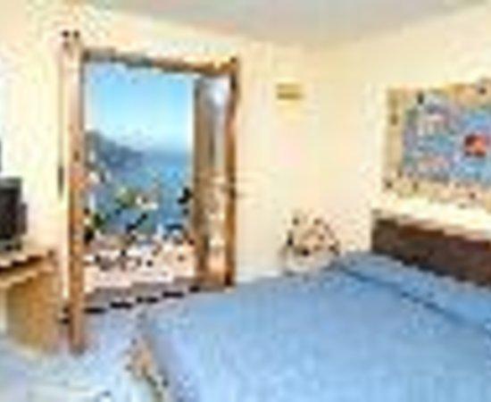 La Dolce Vita: Ravello Apartments Thumbnail