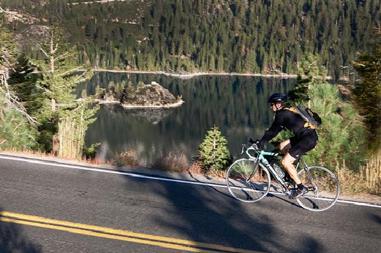 South Lake Tahoe, Californië: Biking around Emerald Bay