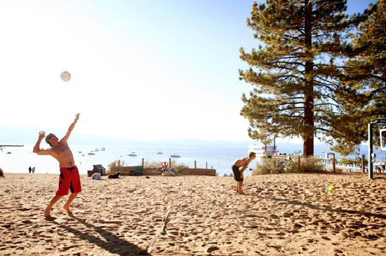 South Lake Tahoe, Californie : Playing at Zephyr Cove Resort