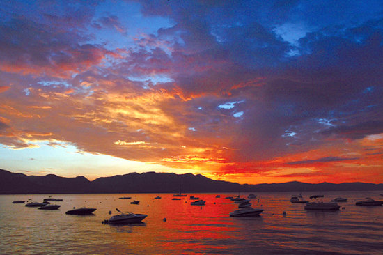 Lake Tahoe Area : Sunset on Lake Tahoe