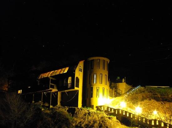 The Peachland Castle: at night