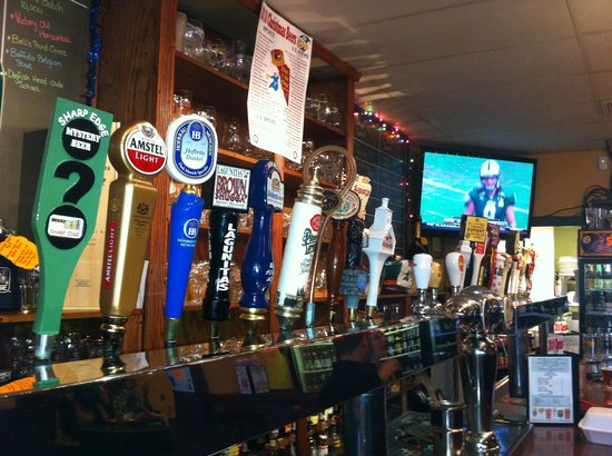 Sharp Edge Beer Emporium : a few of the drafts