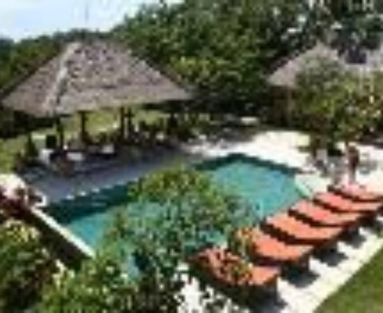 Padang Padang Surf Camp Thumbnail