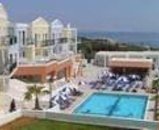 Camari Garden Apartments Thumbnail