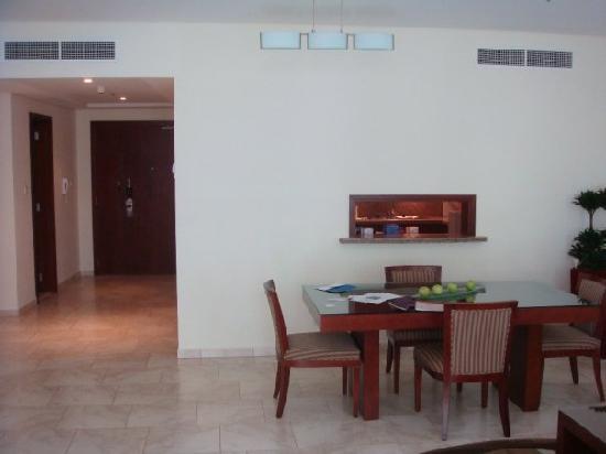 JA Oasis Beach Tower: Reception