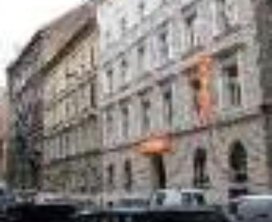 easyHotel Budapest Oktogon Thumbnail