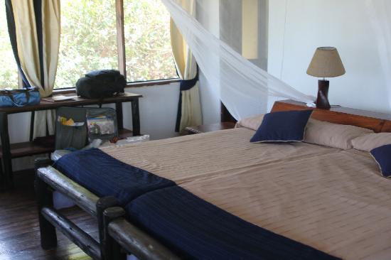 Lazy Lagoon: main bedroom