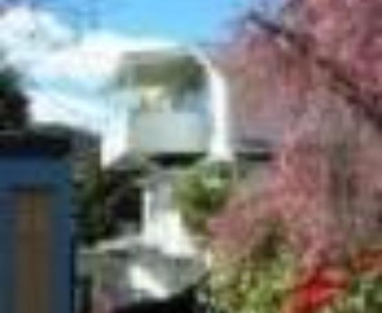 Shelbourne Villa Thumbnail