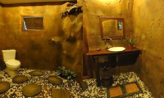 Khaosok Rainforest Resort: LOVE THIS BATHROOM SO MUCH!!!!